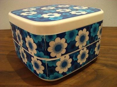 ピクニックに持って行きたい「花柄重箱」