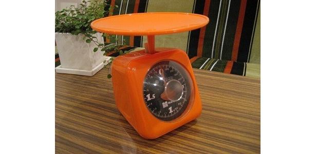 人気カラーオレンジの「計量器」