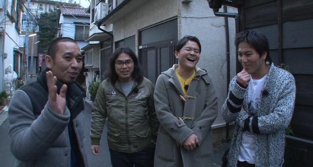 千鳥、狩野英孝、中岡創一が東京の路地裏を探訪!