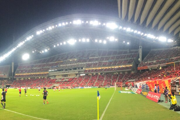 豊田スタジアムはナイトゲームの雰囲気も抜群!