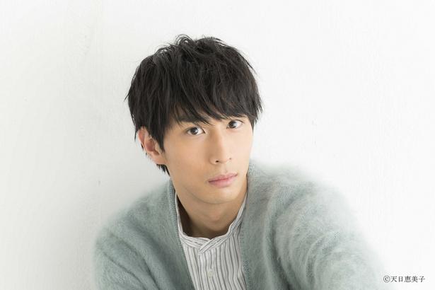 記憶喪失中にさやかと「何か」があった美容師・藤崎隼人を演じる市川知宏