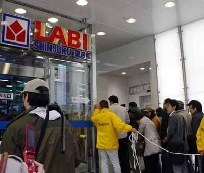 1万人の大行列ができ滑り出しは好調となった「LABI 新宿東口館」。「新宿という街に火を点したい」と、ヤマダ電機 代表取締役 兼 代表執行役員COOの一宮氏の意気込みは十分