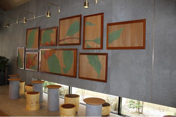 コーヒーチェリーに日本伝統の文様をあしらったアート