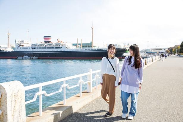 横浜散策ではハズせない山下公園。5月中旬~下旬には「ガーデンネックレス横浜2018」のバラ園も満開になる