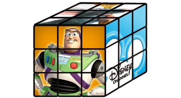 プレゼント商品の「立方体パズル ダイナマジック・キューブ」