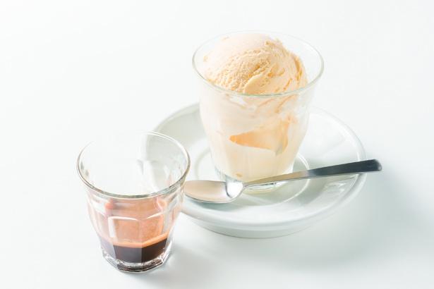 「MODOO'S COFFEE BREWERS」アフォガード(600円)。アイスにエスプレッソをかけて味わう