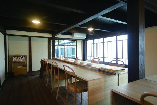 「あだち珈琲 八女店 一期一杯」古民家を改築したオシャレかつ雰囲気のある店内