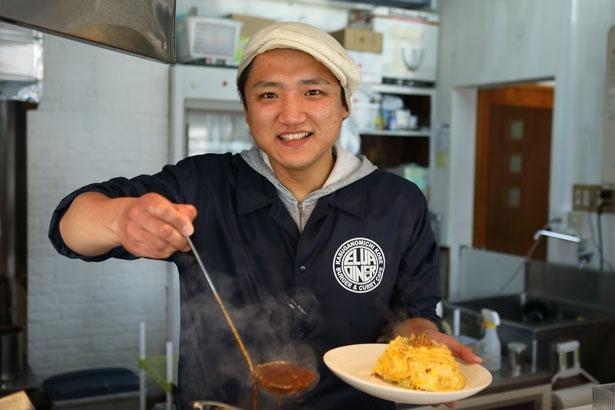 村上さんの小学校時代の同級生、山下慎司さんがカレーを開発!