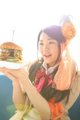 「ハンバーガー神々しい。。。」