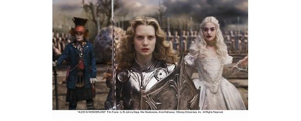 【写真】アリス役の美少女、ミア・ワシコウスカは本作で世界的に大ブレイク!