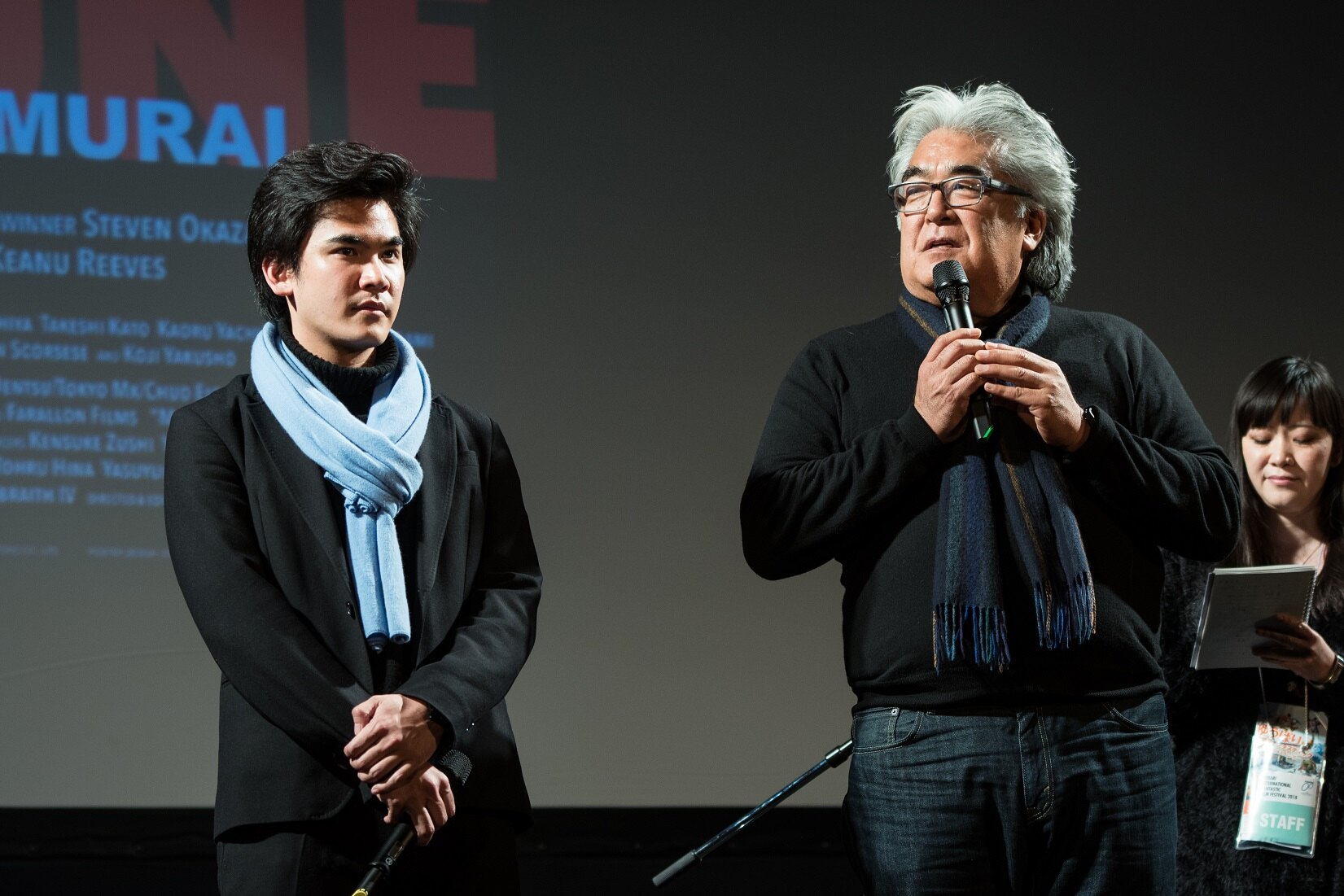 『MIFUNE:THE LAST SAMURAI』の三船力也プロデューサー(左)と、スティーブン・オカザキ監督(右)