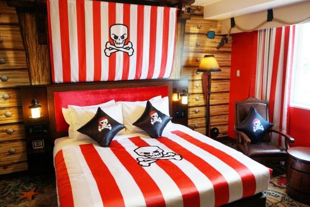 「パイレーツ」のスイートルーム(寝室)/レゴランド・ジャパン・ホテル