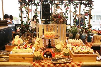 ヒルトン東京お台場で開催中の「いちごに恋するガーデンパーティー」~ストロベリーデザートブッフェ~