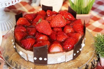 「いちごのガーデンバスケットケーキ」