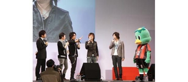 イベントに登場した阿部敦、日野聡、森久保祥太郎、小野大輔(写真左から)