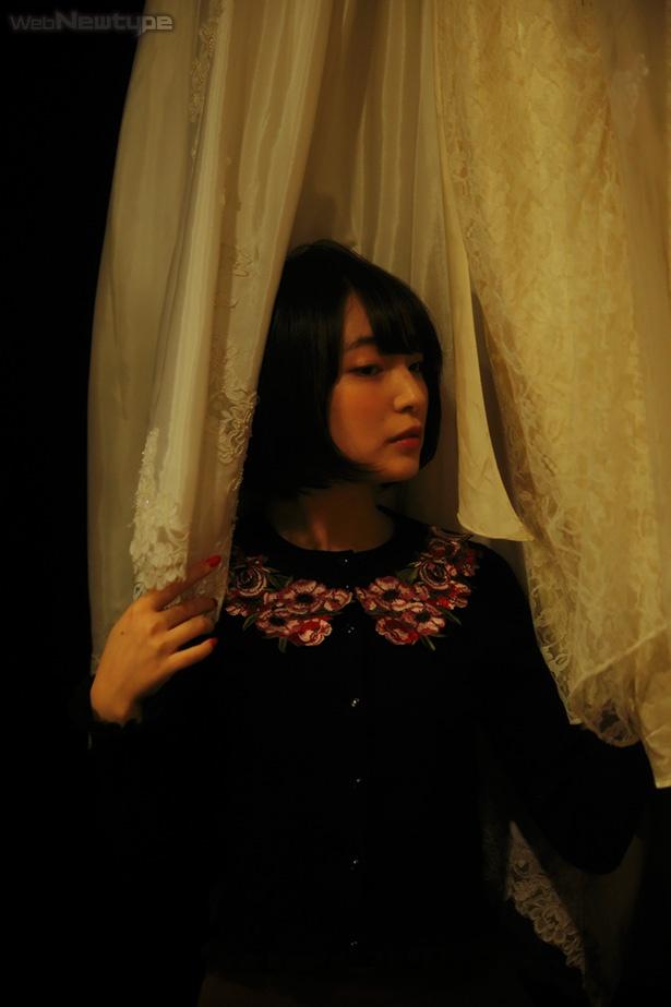 上田麗奈フォトコラム・春コーデでめぐる下北沢で見つけた色