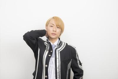 田中俊介(たなか・しゅんすけ)。マッチョでクールなのに笑顔がかわいいというギャップの持ち主。熱いハートを秘めた演技派で、数々の作品に出演。主演映画も決定している