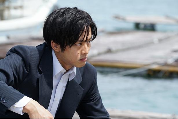 5月12日(土)公開の「孤狼の血」で刑事・日岡秀一を演じる松坂桃李