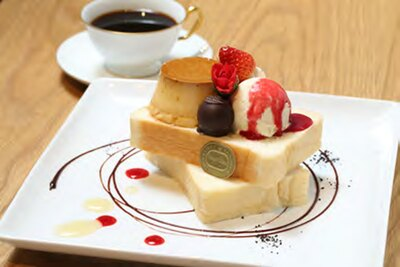 「神戸屋キッチン エクスプレス」と「マルフクコーヒーテラス」、そしてタカシマヤ ゲートタワーモールのトリプルコラボのスペシャルメニュー「神福(こうふく)のおやつ」(1111円)