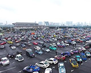 約1000台の痛車が展示されている様子は圧巻!