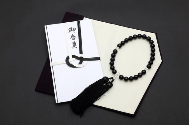 """【写真を見る】香典袋の表書きは""""御香典""""ならどの宗派でもOK"""