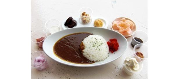 テレビ朝日の番組「お願い!ランキング」の名物コーナー「ちょい足しクッキング」と「東京ジョイポリス」がコラボ! カレーに合う10種類のちょい足し食材が楽しめる