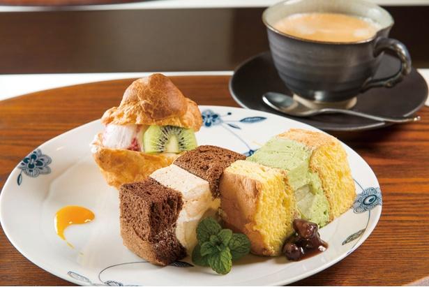 自慢の手作りスイーツは、ワゴンより3種選んでコーヒーが付いて1,100円。ランチに+550円で付けることもできる
