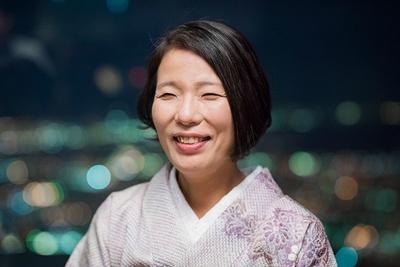 ブログ「寿司屋のおかみさん小話」を運営し、利酒師でもある井出美香さん