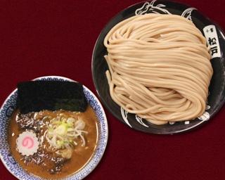 「ドッキュ麺」千葉県松戸市の超人気店「中華蕎麦 とみ田」に密着。ラーメン業界のトップを走り続ける富田治は今、何を想うのか 【初出しインタビュー掲載(ページ後半)】