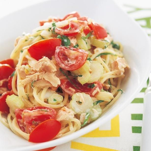 【関連レシピ】かくし味のヨーグルトがきいた「ツナマヨスパゲッティ」もおすすめ。