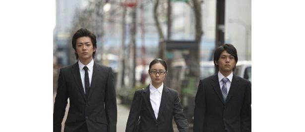 【写真】サークルの仲間に大東俊介、佐野和真らが出演