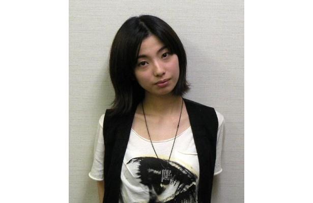 本作で女優としてまた一段と輝きを増した感のある亜矢乃