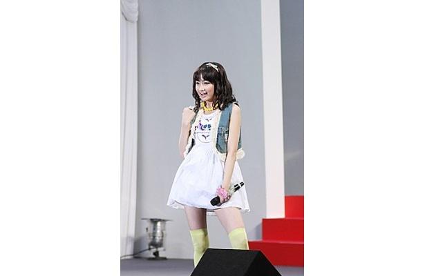 【写真】「Everyday sunshine line!」を生で披露して大満足の麻生夏子