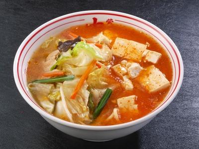 「蒙古タンメン」(800円)。麻婆豆腐がたっぷりとのり、見た目のインパクト大