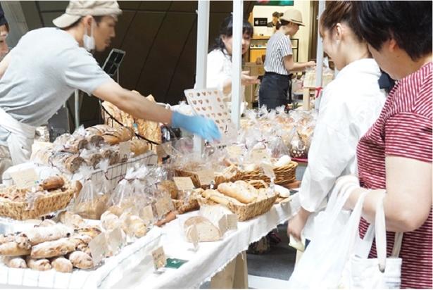 パンカーニバル / 4月6日(金)~8日(日) 人気パン屋のおいしいパンが一堂にそろう
