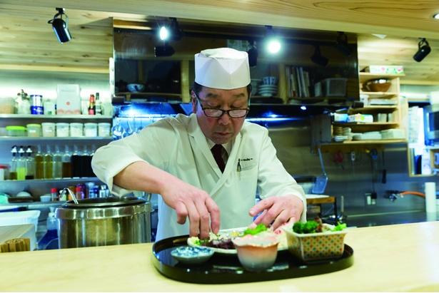 板長を務める藤本氏の父。元は自衛官だったが退職以降、料理の道に進み、和食畑で経験を積んだ