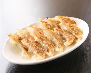 「焼餃子」(税抜280円)。もっちりとした皮にパリッとした焼目が絶品