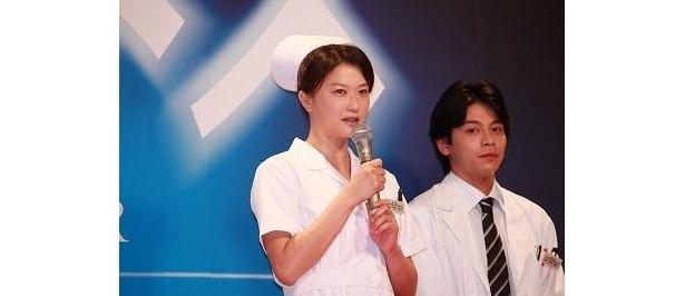 【写真】製作発表時に、ナース服で登壇した夏川結衣