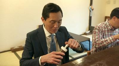 ソースが超充実のキセキ食堂。五郎さんもお気に入りの味を見つけたようだ…!