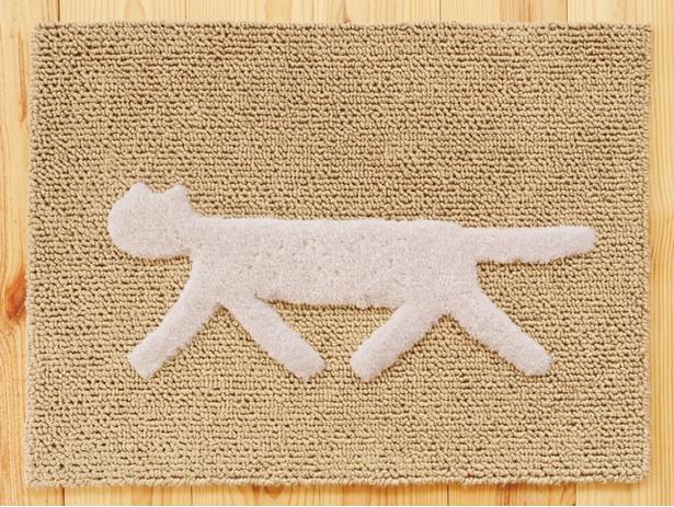 猫のデザインがかわいい「くらすこと 糸島」の「ロンド・キャットマット/F(エフ)/style(スタイル)」(10800円)。麻とウールを使用している