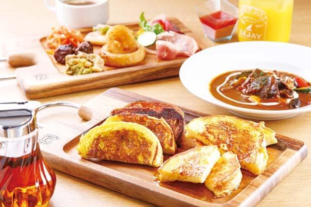 フレンチトーストは、抹茶、イチゴなど、日替りで6~8種類が登場するので、食べ飽きない