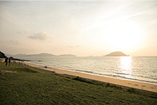 下馬ヶ浜 / 白砂が広がる下馬ヶ浜は、島の北西部。「志賀島休暇村」を目指すとわかりやすい