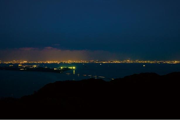 潮見公園展望台 / 展望台に上って、美しい夜景を見よう!