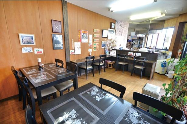「たこ膳」はカウンターのほか、テーブル席もある。事前に電話で予約注文も可