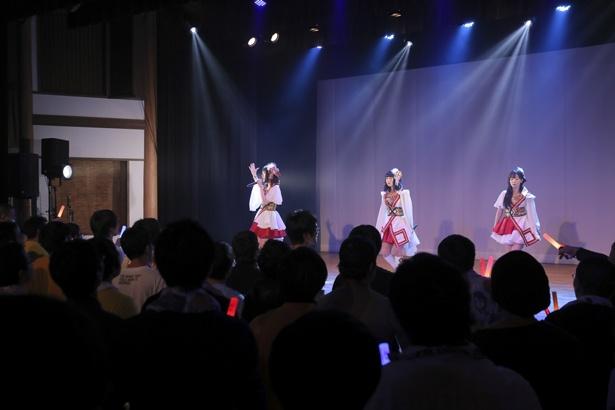 """「温泉むすめ」""""おんせん県""""大分に上陸、AKATSUKI初ライブに和の舞台湧く!"""