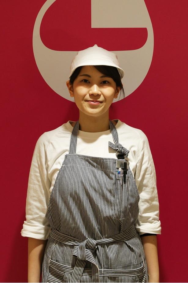 「より多くのお客様にこのスイートポテトを楽しんでもらいたい」とメッセージを寄せた店長の飯田樹里菜さん