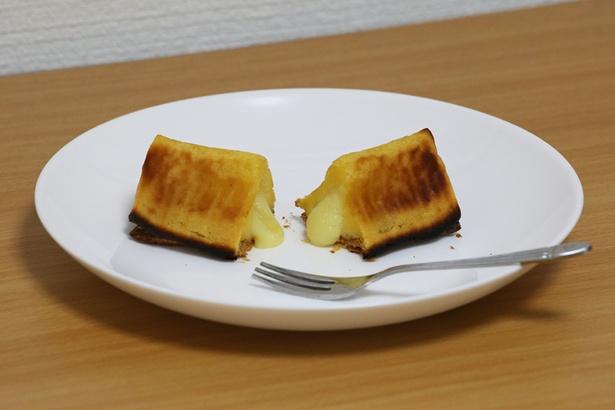 あふれ出るポテトクリーム。電子レンジで加熱すれば、自宅でもとろりとした食感が再現可能だ