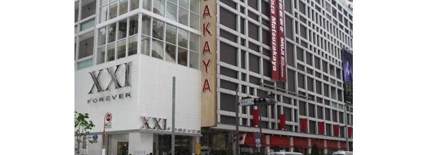 場所は銀座通りとみゆき通りが交わる超一等地、銀座松坂屋本館の1階〜5階