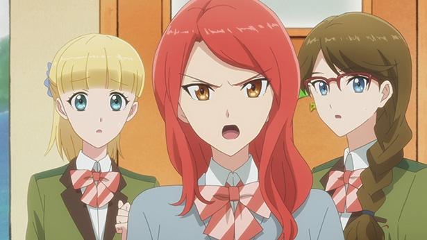 「多田くんは恋をしない」第2話の先行カットが到着。転入生のテレサとアレクが写真部へやってきて…
