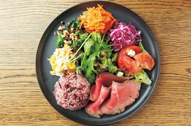 1日分の野菜の半分が摂取できる「ONE PLATE」(1,180円)